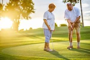 おじいちゃんとおばあちゃんになっても一緒にゴルフ