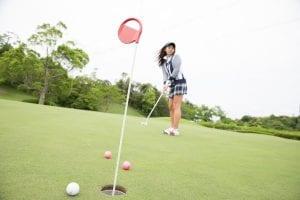 ゴルフ場でパター練習