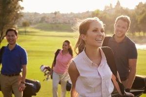 ゴルフの行きかえりの服装