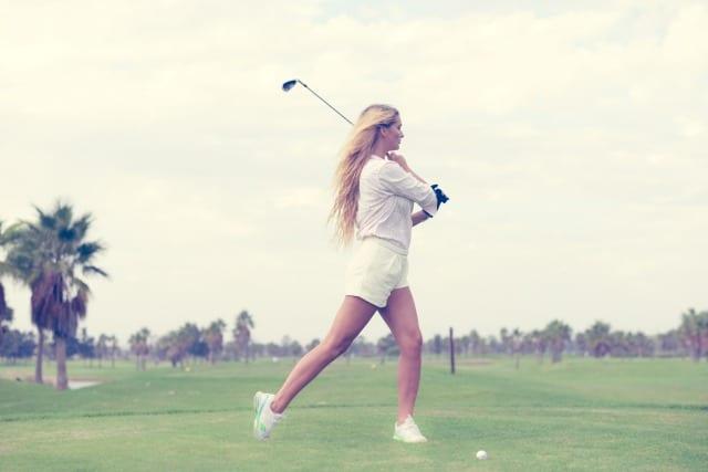ゴルフボール 当たらない スイング
