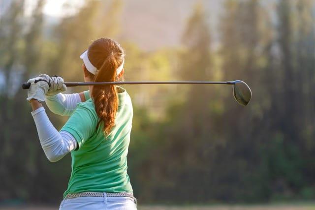 ゴルフドライバー 打ち方 握り方