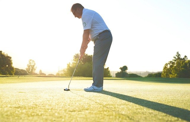 ゴルフ 前傾姿勢 コツ